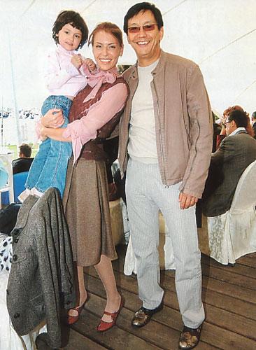 http://allstars.pp.ru/lenta/2005/09/21/konchalovsky.jpg