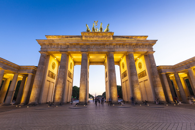 1450383623_brandenburg-gate-berlin-photo